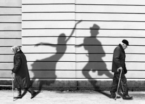 Don't let your dreams die with you…. Black-and-white-couple-old-shadows-spirit-favim-com-103605
