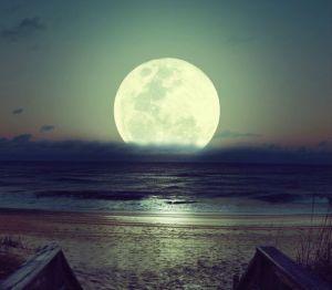 Full Moon Tonight…. Fullmoon-moon-nature-night-favim-com-718117