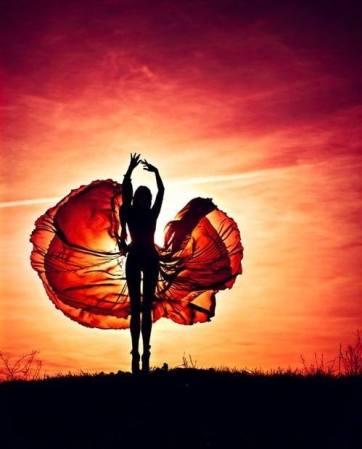 dance-light-nature-orange-Favim.com-1016257